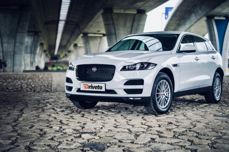 Jaguar F-Pace (od 01/2016) Pure