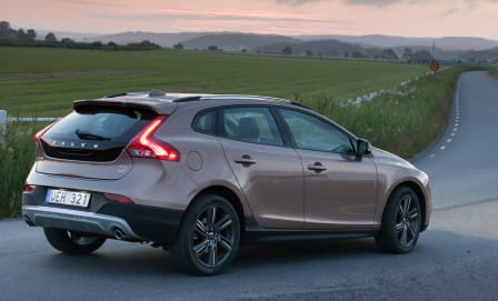 Volvo V40 Cross Country (od 04/2016) 2.0, 88 kW, Naftový
