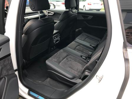 Audi Q7 (od 06/2015) S-line