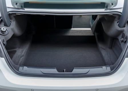 Jaguar XE (od 06/2015) 2.0, 177 kW, Benzinový, Automatická převodovka