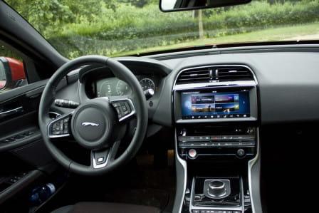 Jaguar XE (od 06/2015) 2.0, 132 kW, Naftový, 4x4, Automatická převodovka
