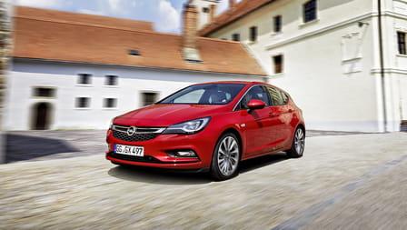 Opel Astra (od 10/2015) 1.4, 74 kW, Benzinový