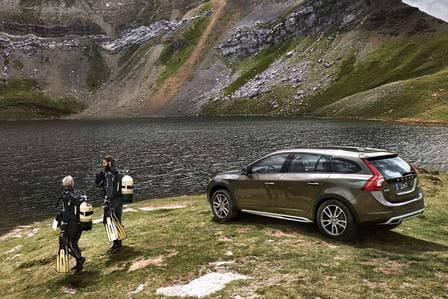 Volvo V60 Cross Country (od 06/2015) 2.0, 186 kW, Benzinový, Automatická převodovka