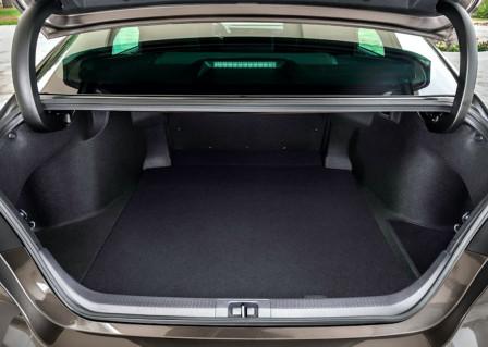 Toyota Camry (od 03/2019) 2.5, 160 kW, Hybridní, Automatická převodovka