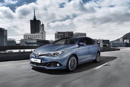Toyota Auris (od 09/2015) 1.8, 100 kW, Hybridní, Automatická převodovka