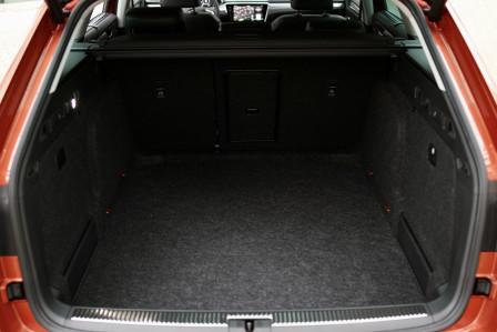 Škoda Superb Combi (od 07/2019) Scout