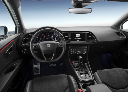 SEAT Leon ST Cupra (od 04/2017) 300, 221 kW, Benzinový