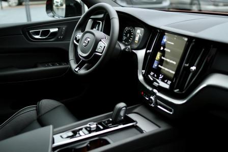 Volvo XC60 (od 05/2017) R-Design