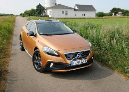 Volvo V40 Cross Country (od 04/2016) 2.0, 110 kW, Naftový