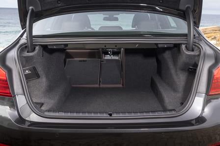 BMW Řada 5 Sedan (od 02/2017) 2.0, 185 kW, Benzinový, 4x4, Automatická převodovka