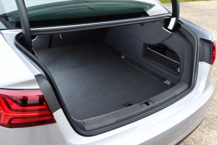Audi A6 Sedan (od 10/2014) 3.0 TDI, 200 kW, Naftový, 4x4, Automatická převodovka