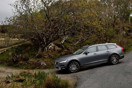 Volvo V90 Cross Country (od 11/2016) 2.0, 235 kW, Benzinový, 4x4, Automatická převodovka