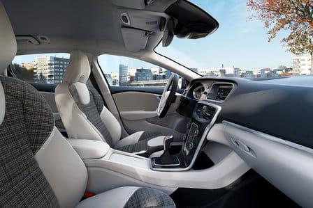 Volvo V40 (od 04/2016) 2.0, 147 kW, Naftový