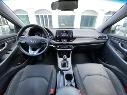Hyundai i30 fastback (od 08/2018) Trikolor Komfort