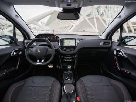 Peugeot 2008 (od 04/2016) 1.2, 81 kW, Benzinový, Automatická převodovka