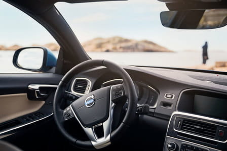Volvo S60 (od 06/2013) 2.0, 180 kW, Benzinový, Automatická převodovka