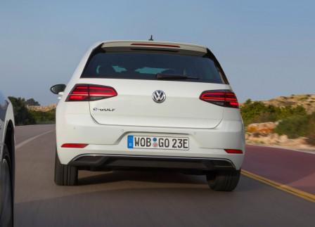 Volkswagen Golf VII e-Golf (od 04/2017) 100kW, 100 kW, Elektrický, Automatická převodovka