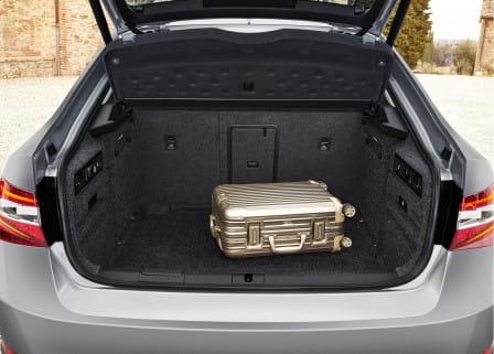 Škoda Superb (od 06/2015) 2.0 TSI, 206 kW, Benzinový, 4x4, Automatická převodovka